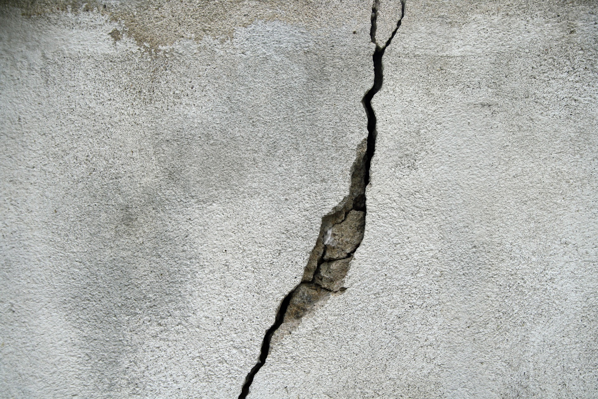 Basement Wall Crack in need of Repair in Worcester, Massachusetts